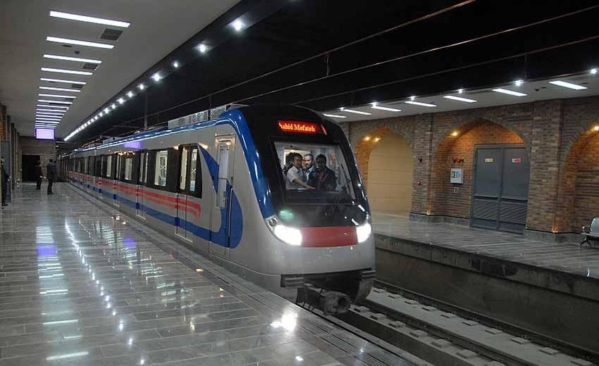 نمایی از مترو اصفهان