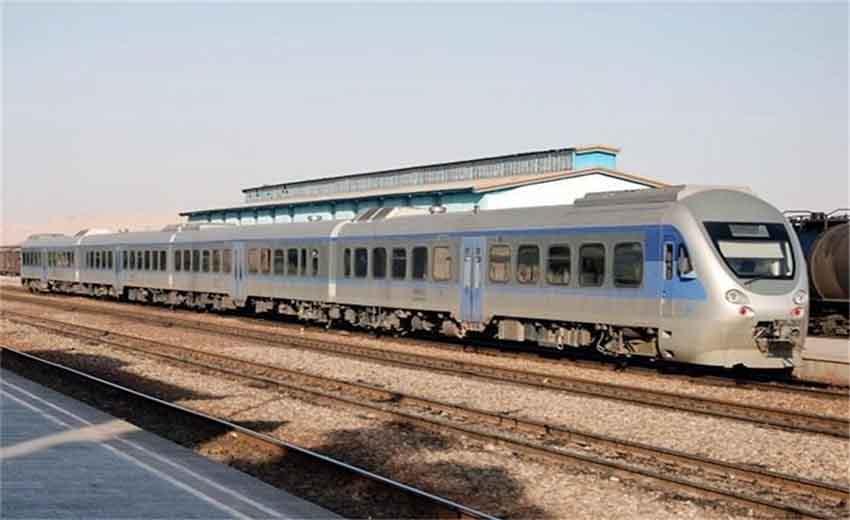 نمایی از قطار اصفهان