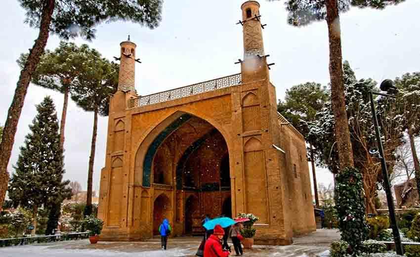 نمایی از منار جنبان اصفهان