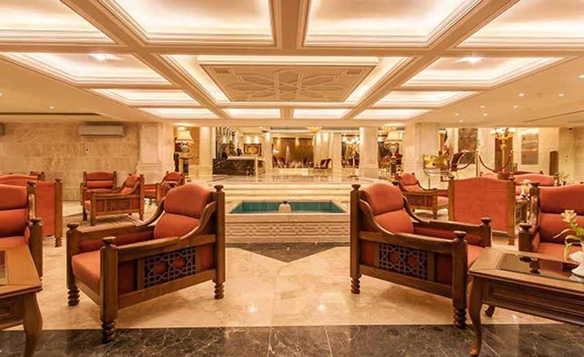 نمایی از کافی شاپ هتل زندیه شیراز